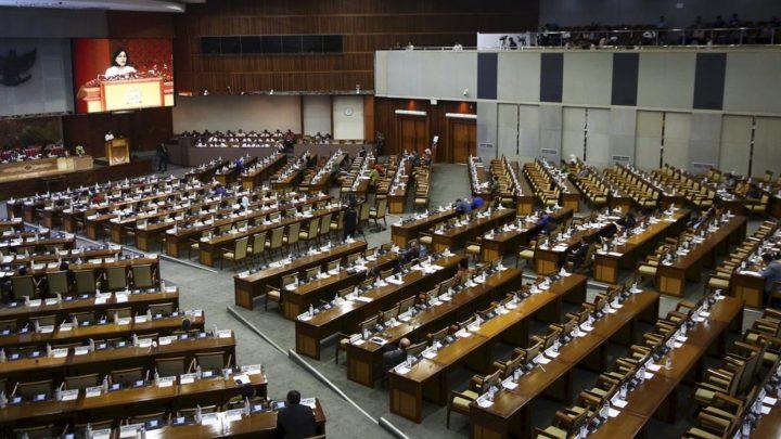 Paripurna DPR Sahkan Undang-undang APBN 2019